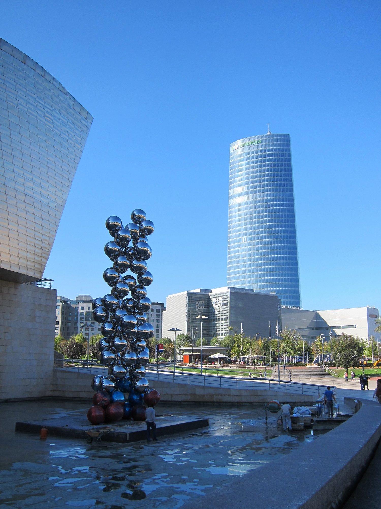 Los Reyes y el lehendakari inauguran este martes la Torre Iberdrola