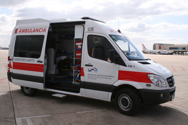 El Aeropuerto de Palma adquiere una nueva ambulancia con el equipamiento sanitario para atender patologías urgentes