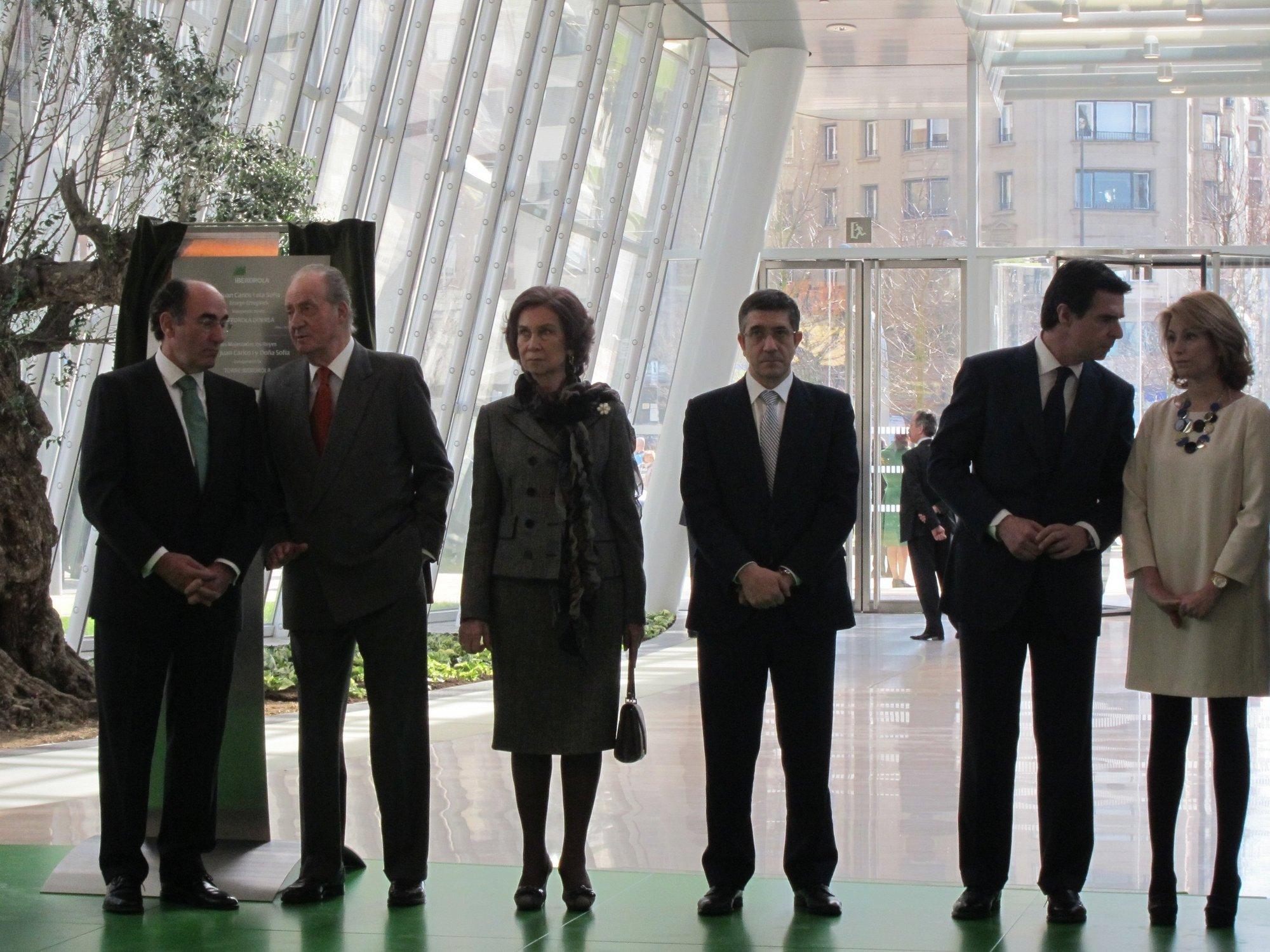 (Ampl.) Los Reyes inauguran la Torre Iberdrola en Bilbao, nueva sede social la compañía
