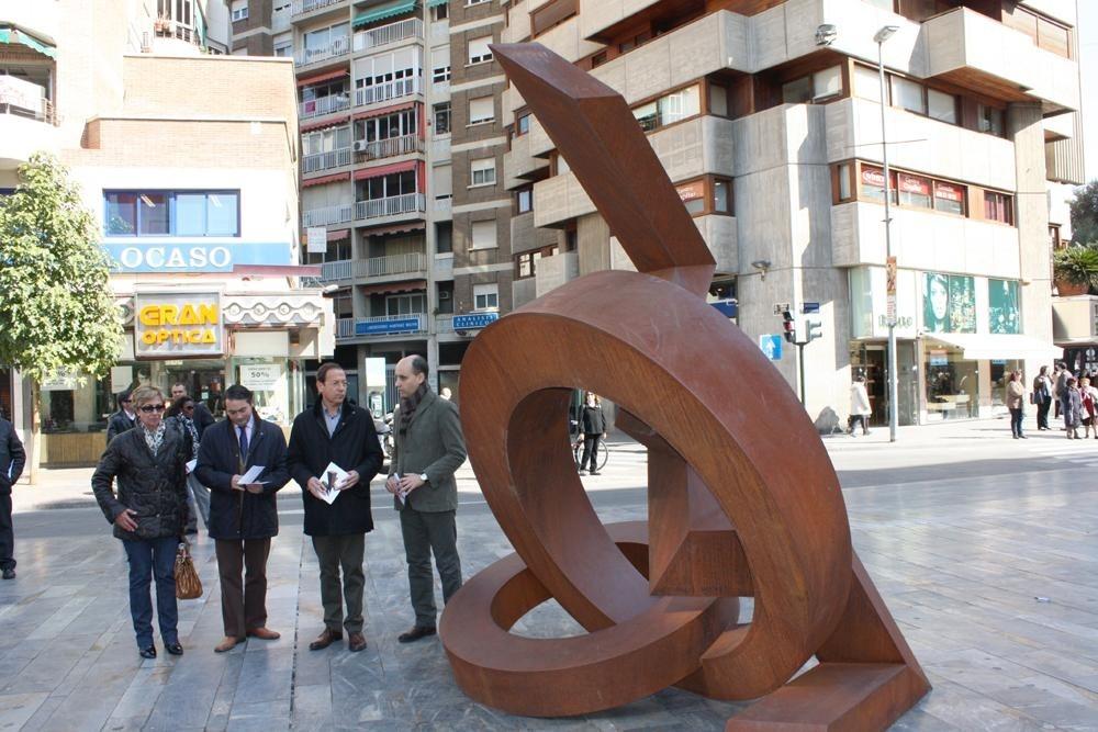 La Avenida de la Libertad acoge una exposición de 9 obras de gran tamaño del artista parisino Jean Claude Farhi