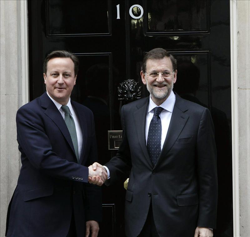 Rajoy y Cameron se reúnen para debatir sobre la crisis y la soberanía de Gibraltar