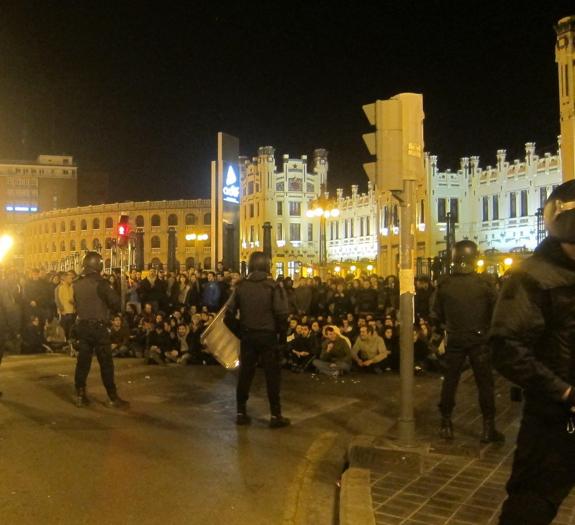 Convocan por las redes sociales a una nueva concentración en Sol en solidaridad con los estudiantes valencianos