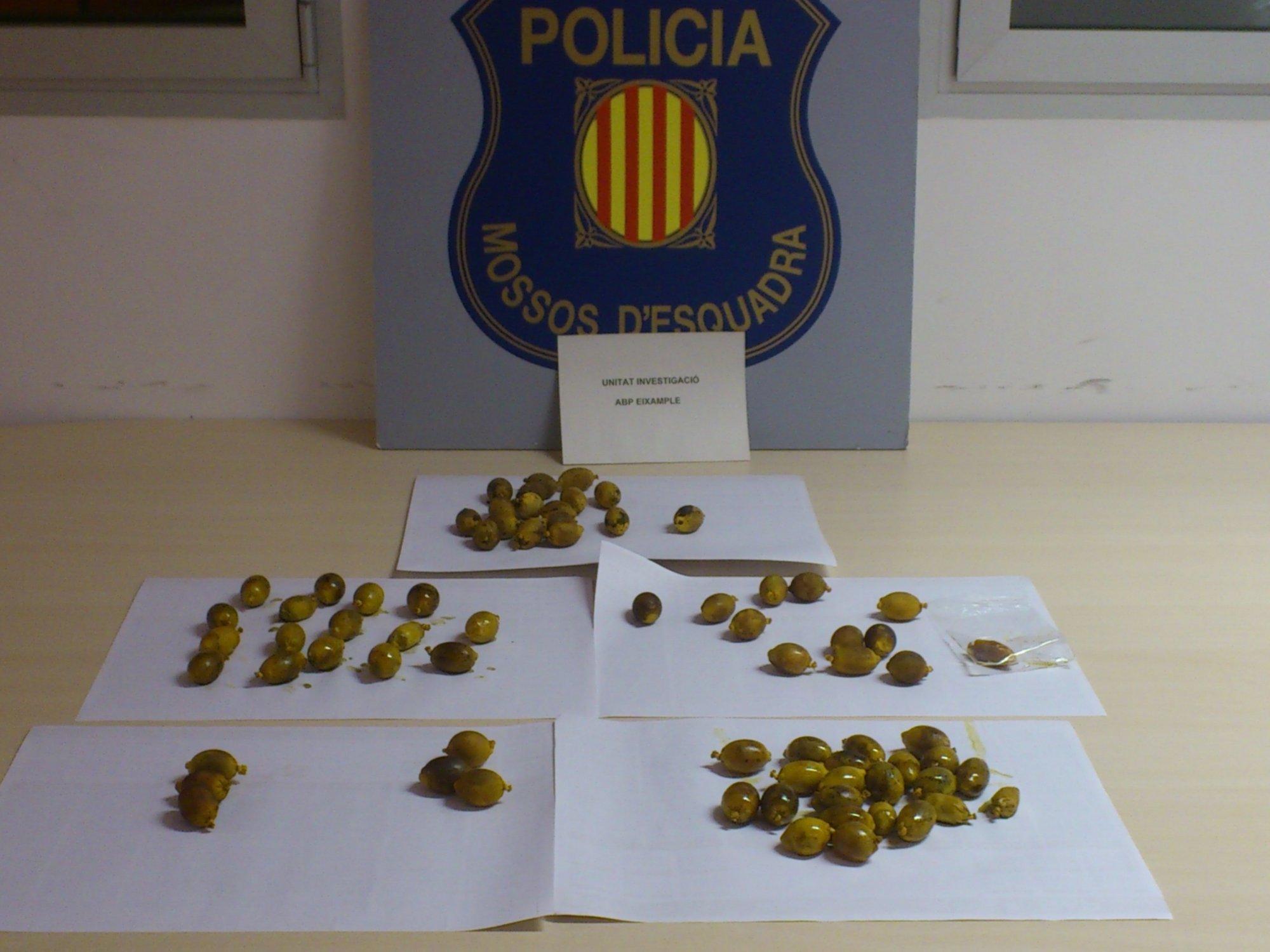 Desarticulada una red que utilizó a una mujer que ingirió 73 bolas de cocaína líquida