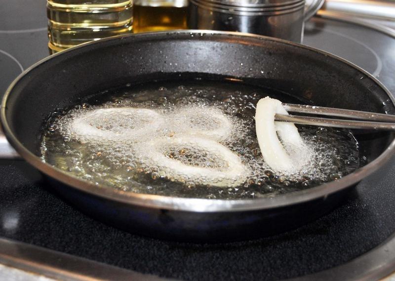 Detectan en el aceite recalentado compuestos tóxicos sospechosos de provocar enfermedades neurodegenerativas o cáncer