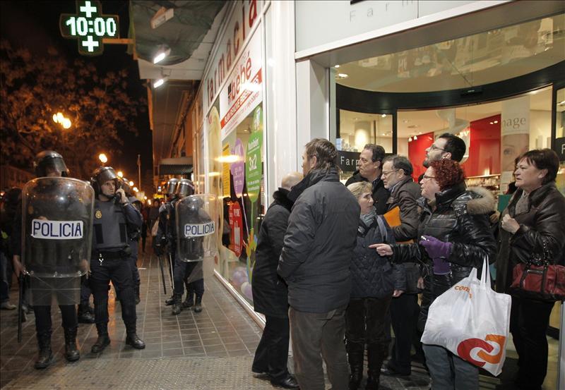 Doce de los veinticinco detenidos ayer en Valencia siguen en la comisaría