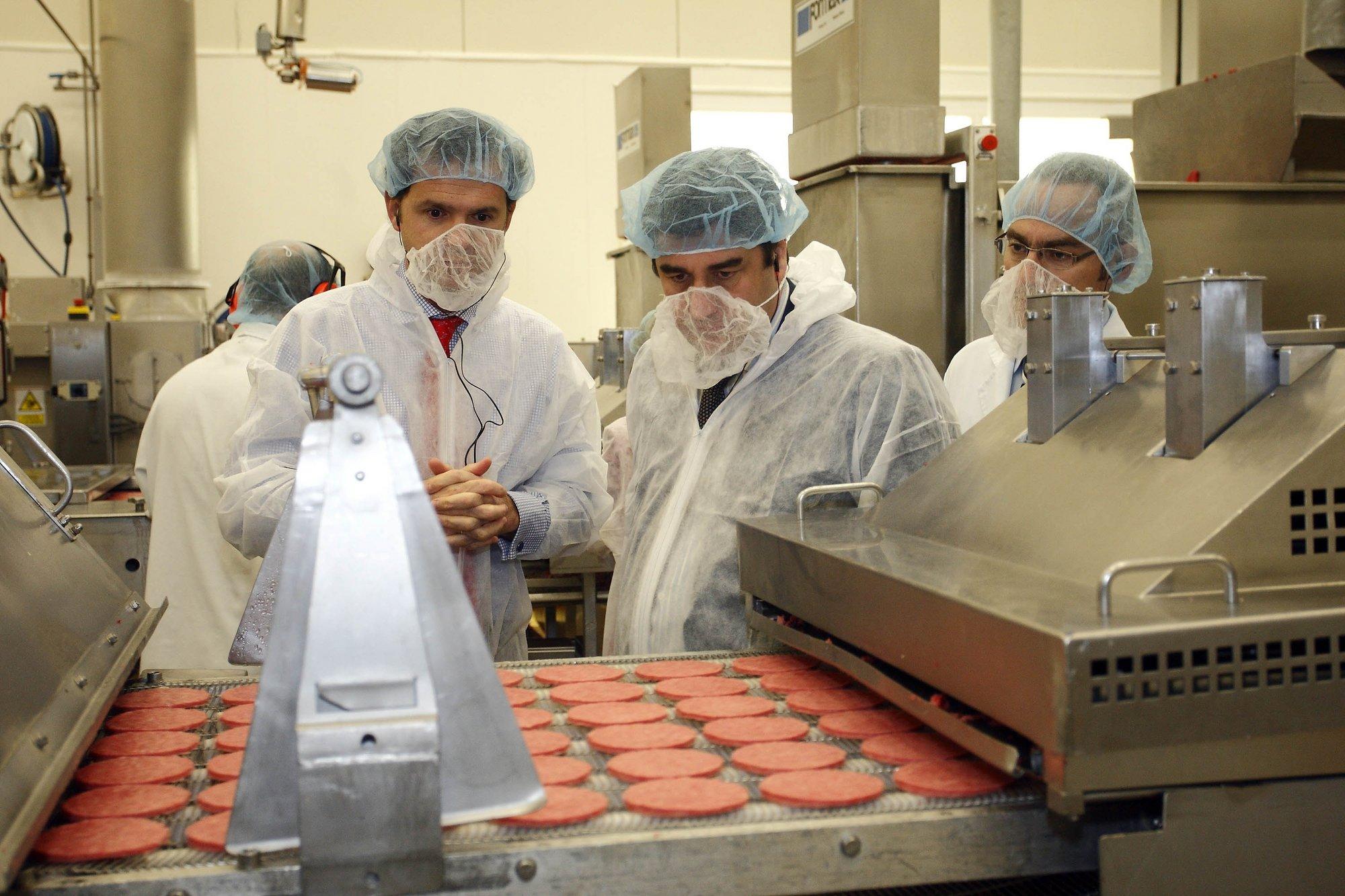 Echániz pone a McDonald»s y a OSI Food Solutions como «ejemplo de buenas prácticas» en materia de alimentación