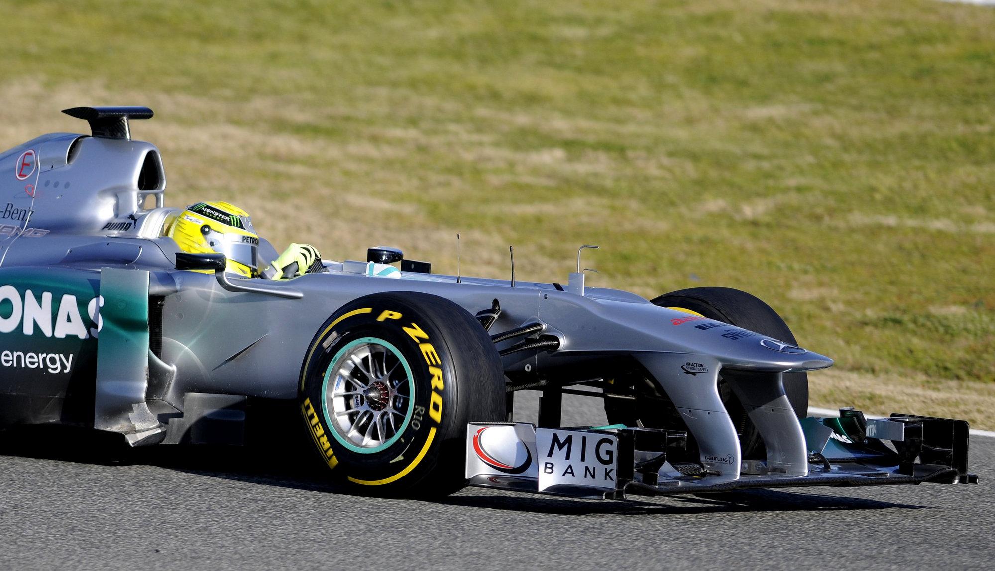 Mercedes presenta el W03
