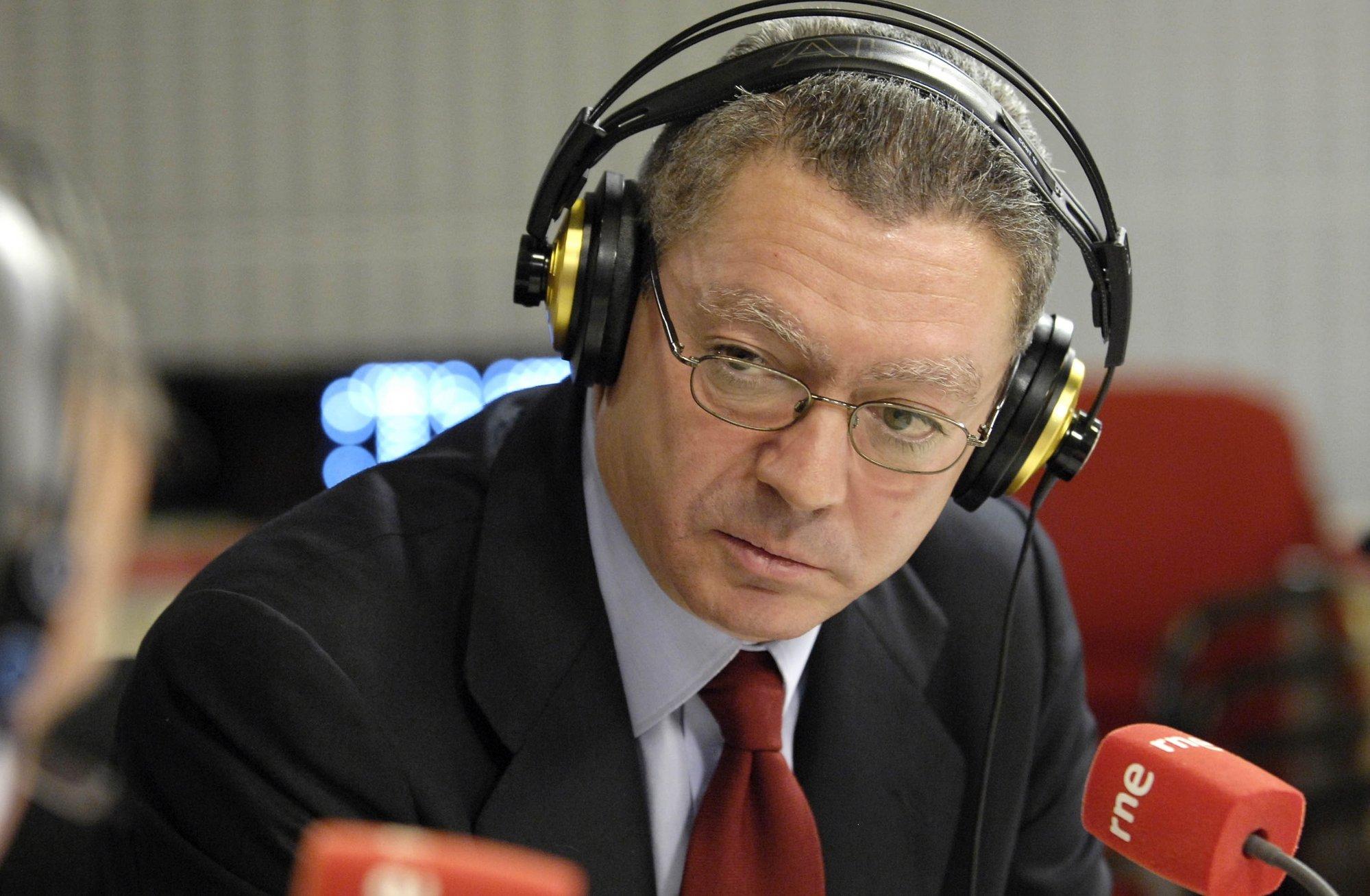 Gallardón advierte de que los ciudadanos creen que las sentencias las dictan los políticos