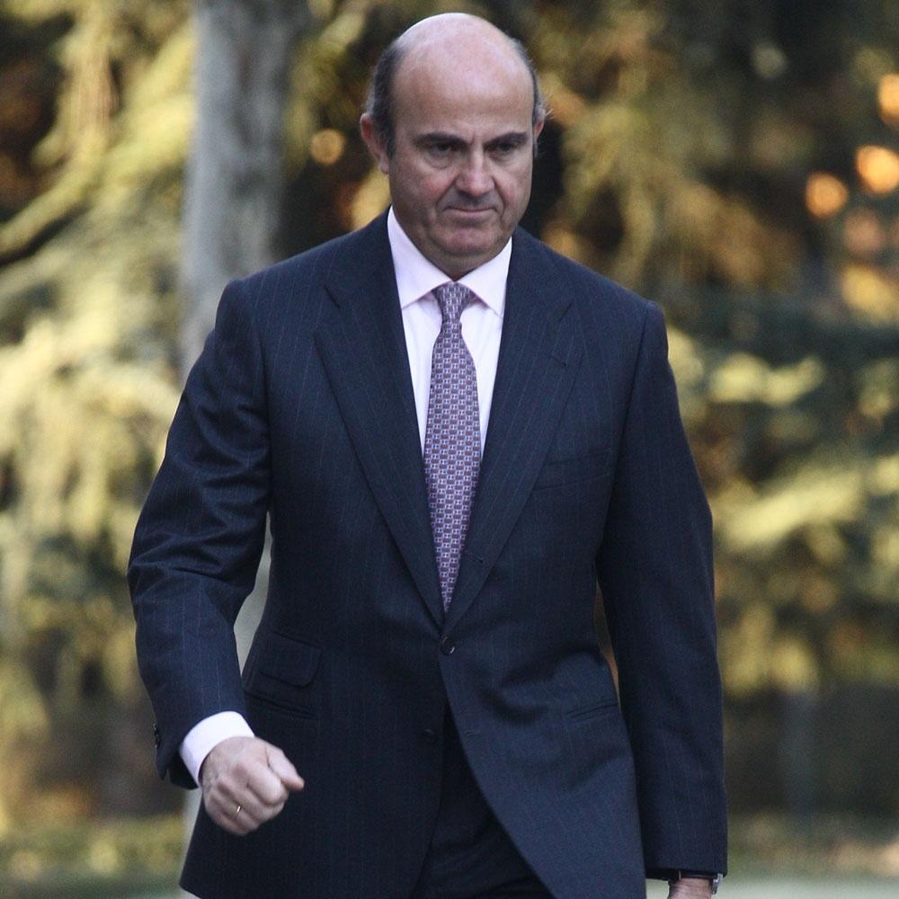 El Gobierno dice que las previsiones de la CE abren el debate del déficit