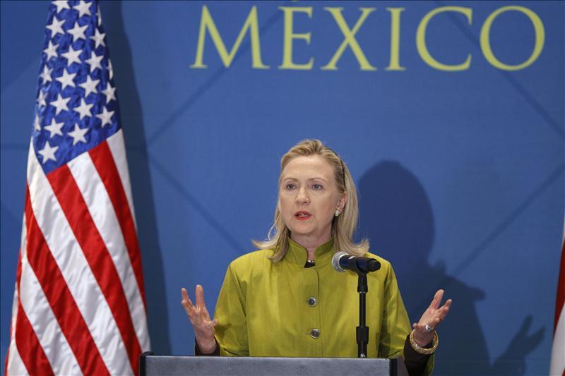 Hillary Clinton anticipa una «presión creciente» frente al régimen sirio