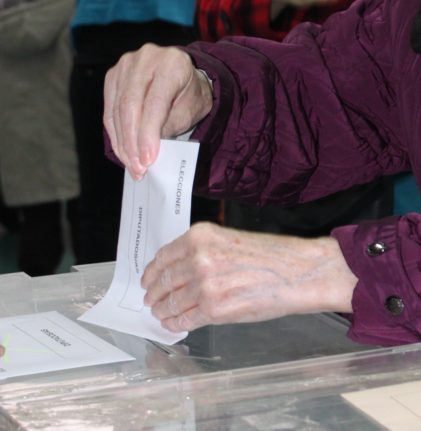 La Junta aprueba el decreto que facilita la participación de los trabajadores en las elecciones