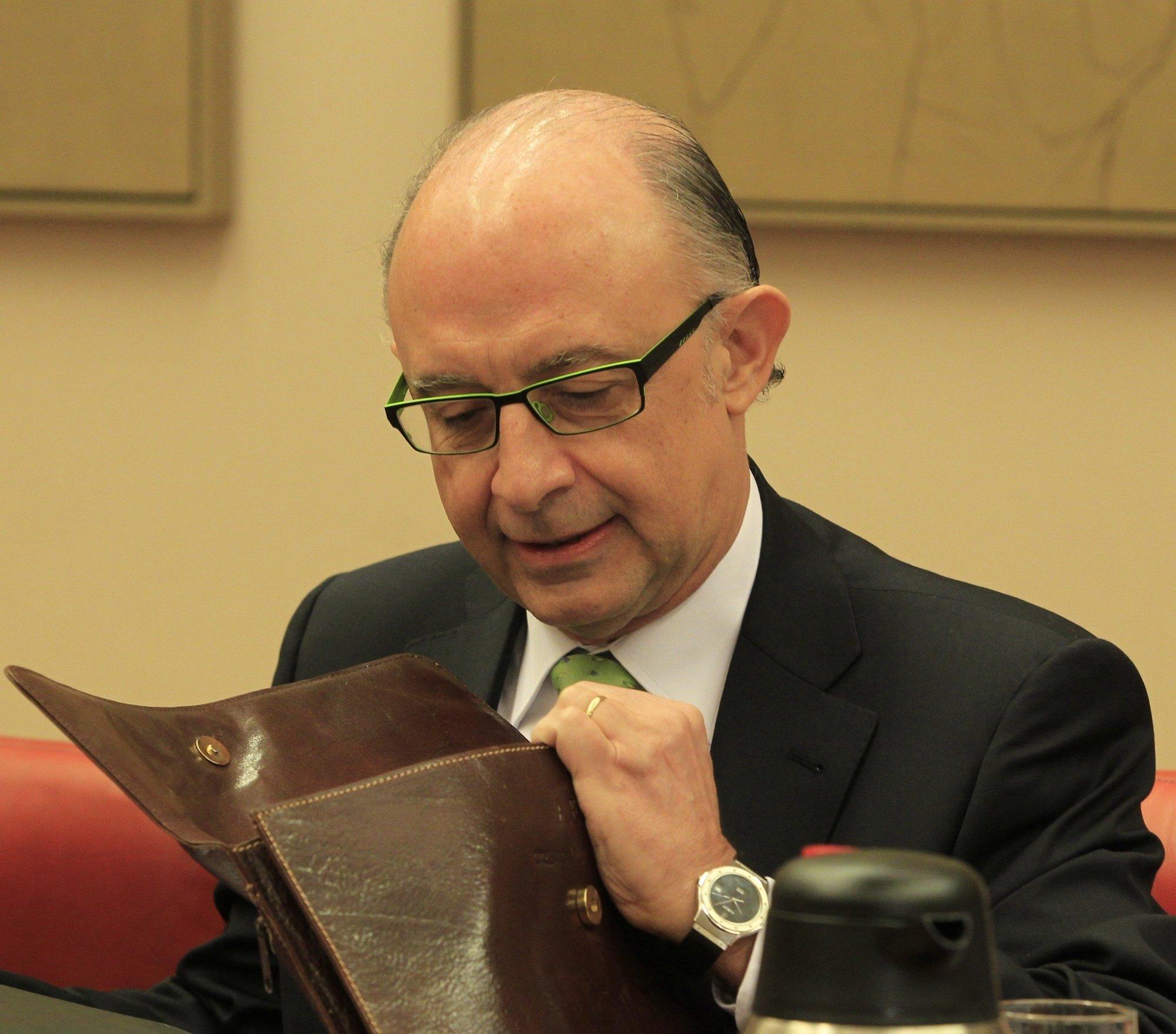 Montoro anuncia que clarificará junto a la FEMP la limitación para contratar personal por parte de las entidades locales