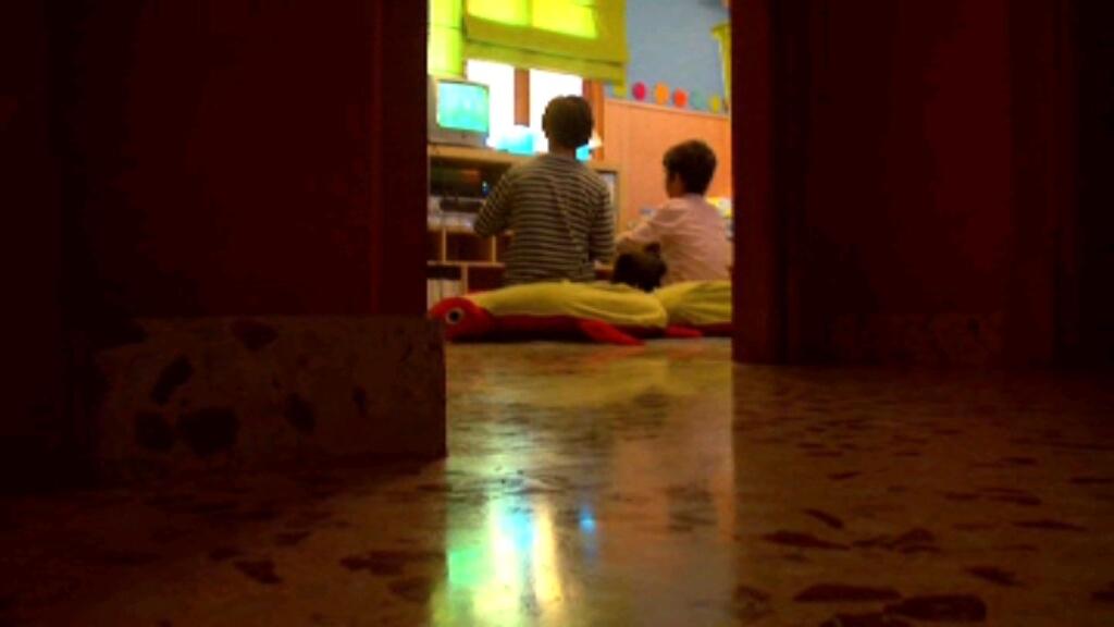 Mostrar bebidas alcohólicas en las películas influencia a los menores a beber