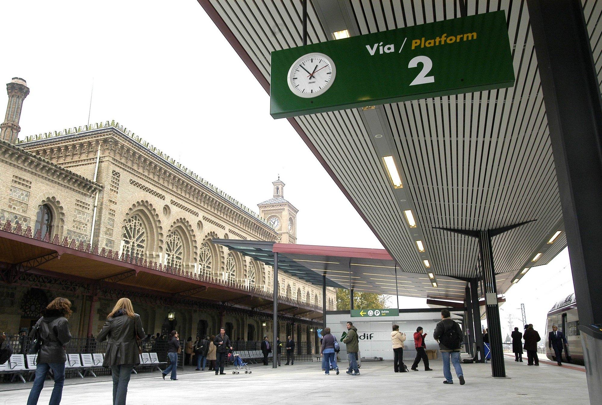 Renfe transportó a casi un millón y medio de viajeros en los Avant Madrid-Toledo en 2011