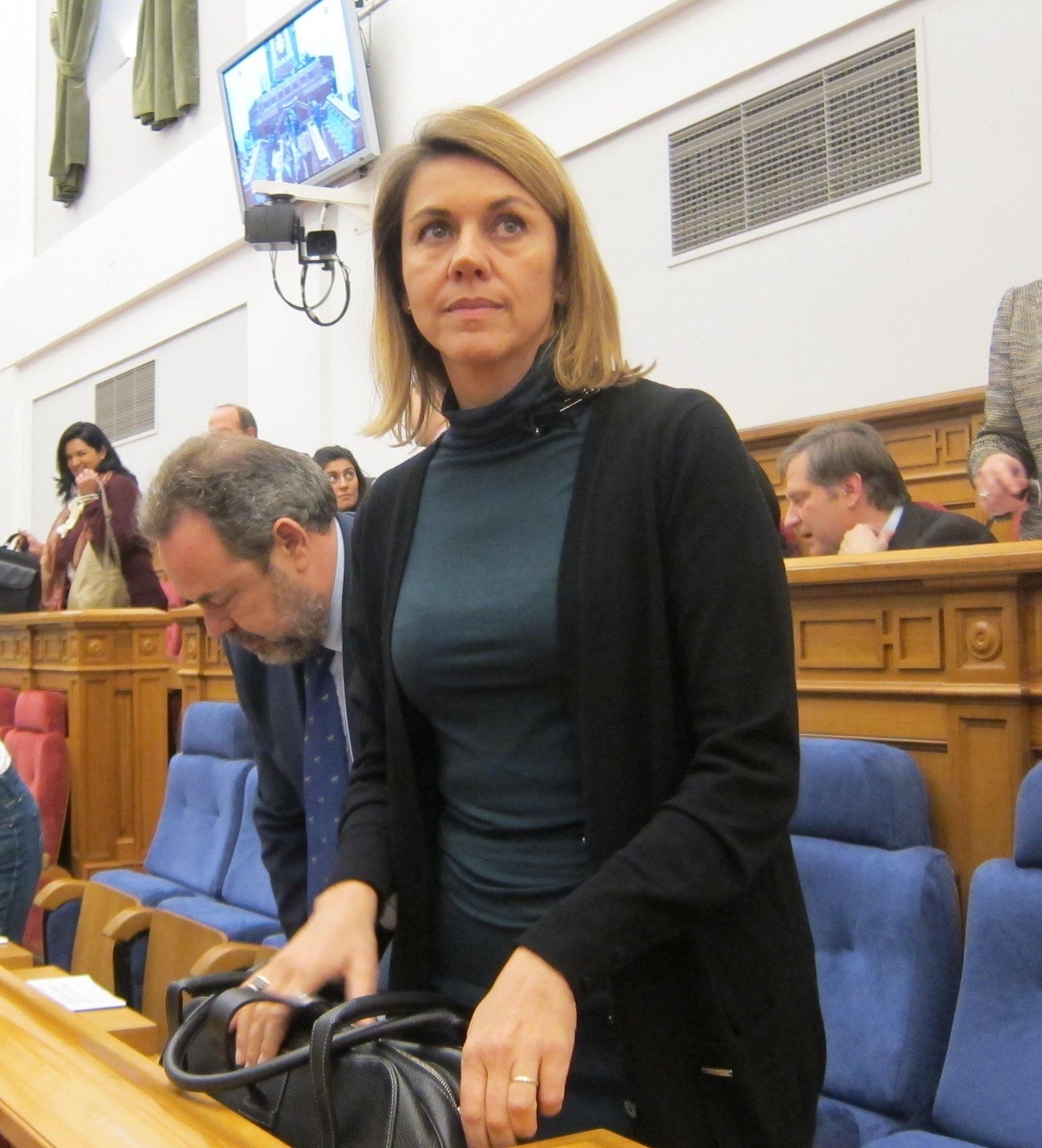 Sindicatos asisten al pleno de las Cortes para mostrar su rechazo a la Ley de Medidas Complementarias del Gobierno