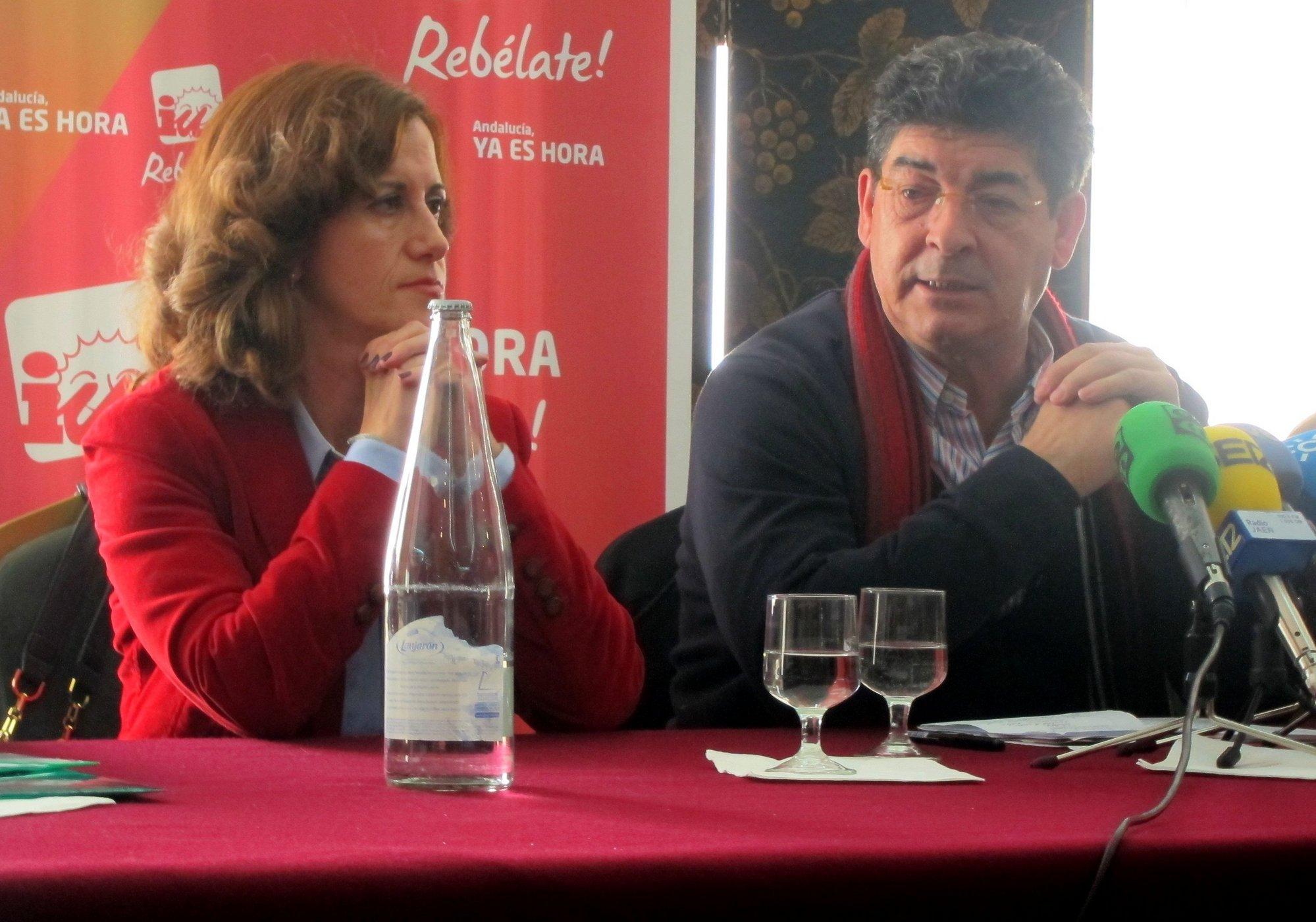 Valderas (IU): «La situación política de manos del PP está tomando tintes de dictadura con porra en mano»