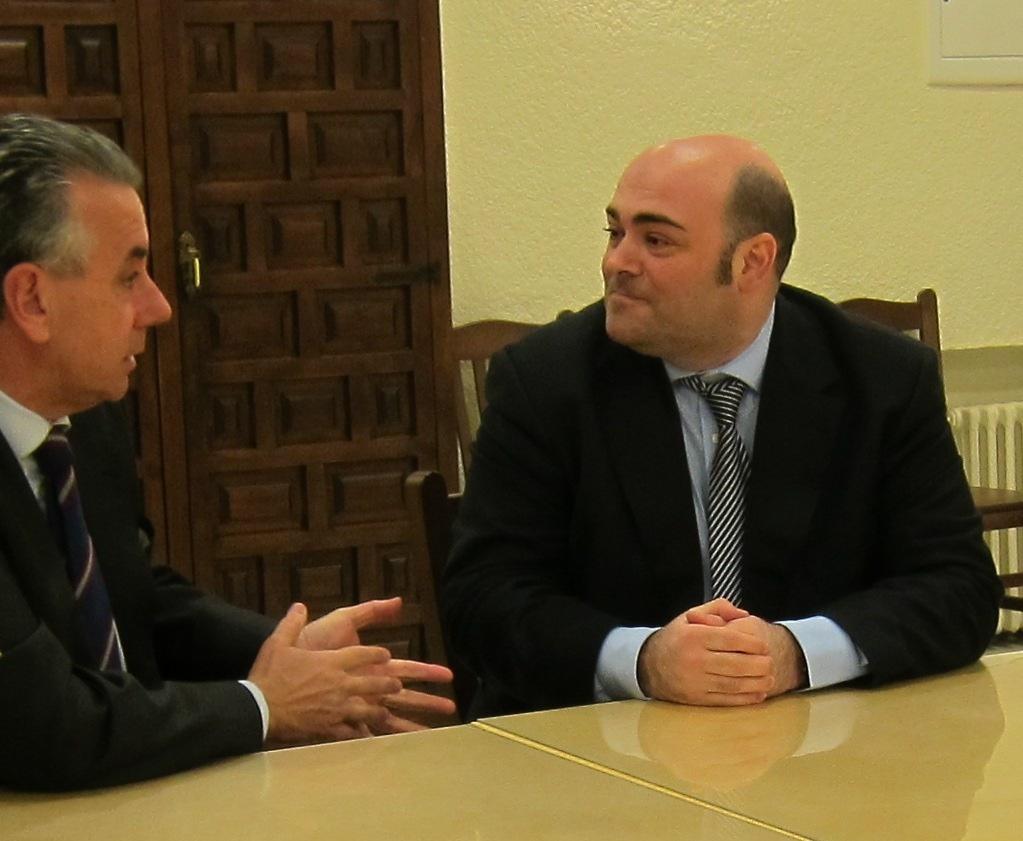 El alcalde asegura que el Ayuntamiento destinará a inversiones los fondos extra del IBI