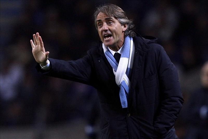 Mancini rechaza desvelar si se ha reunido con Tévez