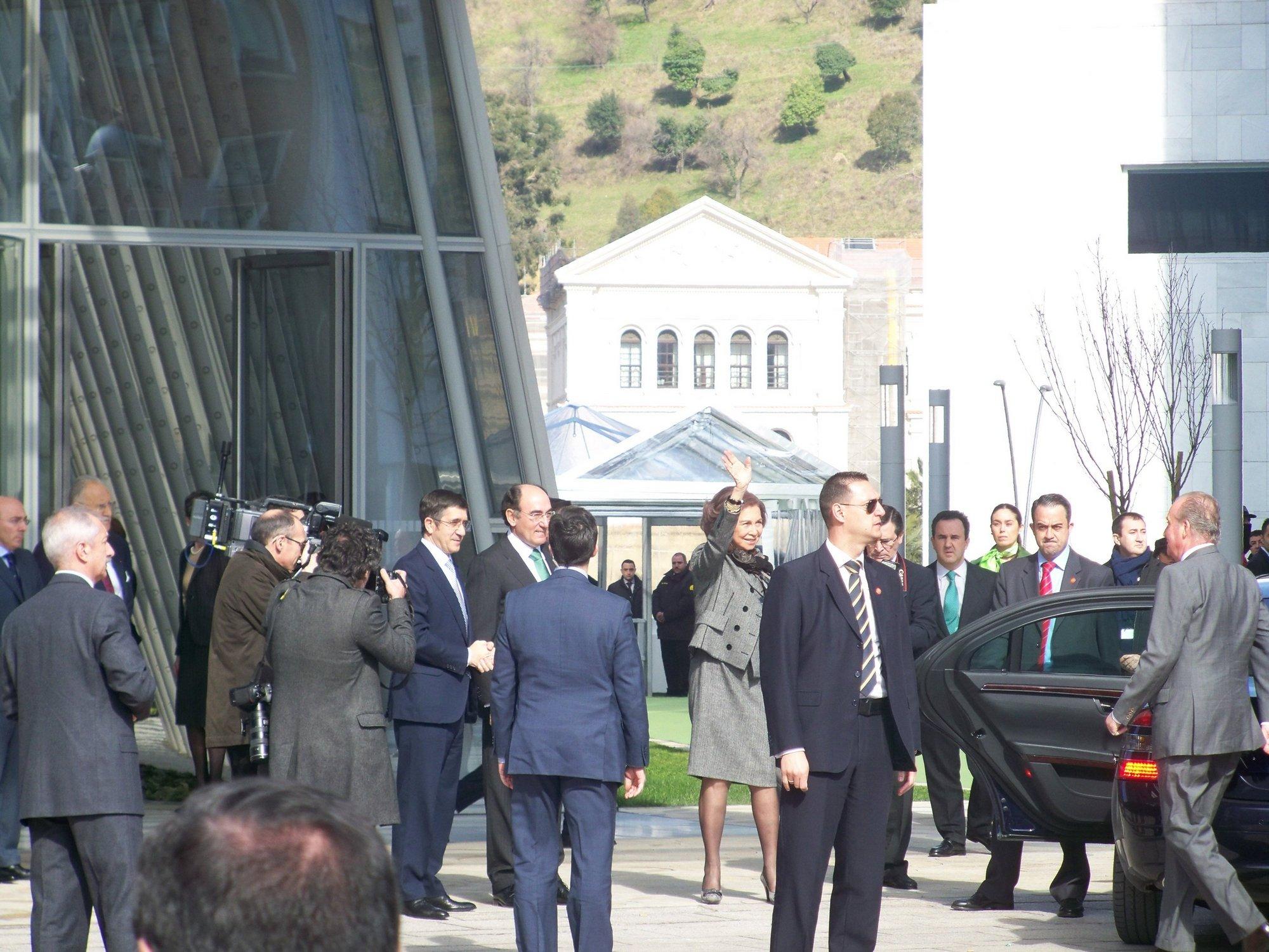 Los reyes inauguran la Torre Iberdrola de la eléctrica en Bilbao