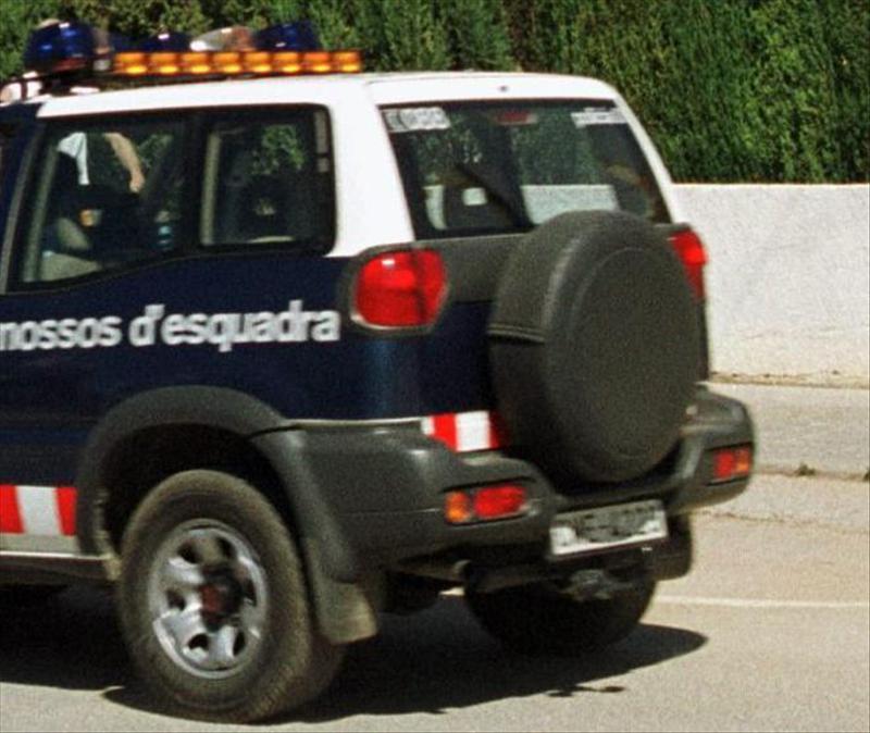 Un hombre intenta quemarse a lo bonzo ante la Policía Local de Arbúcies (Girona)