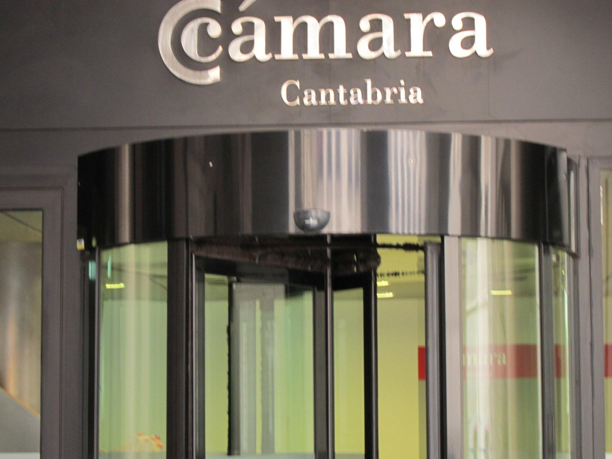 La cifra de negocio en el sector transporte empeoró en el último trimestre de 2011, según la Cámara de Comercio