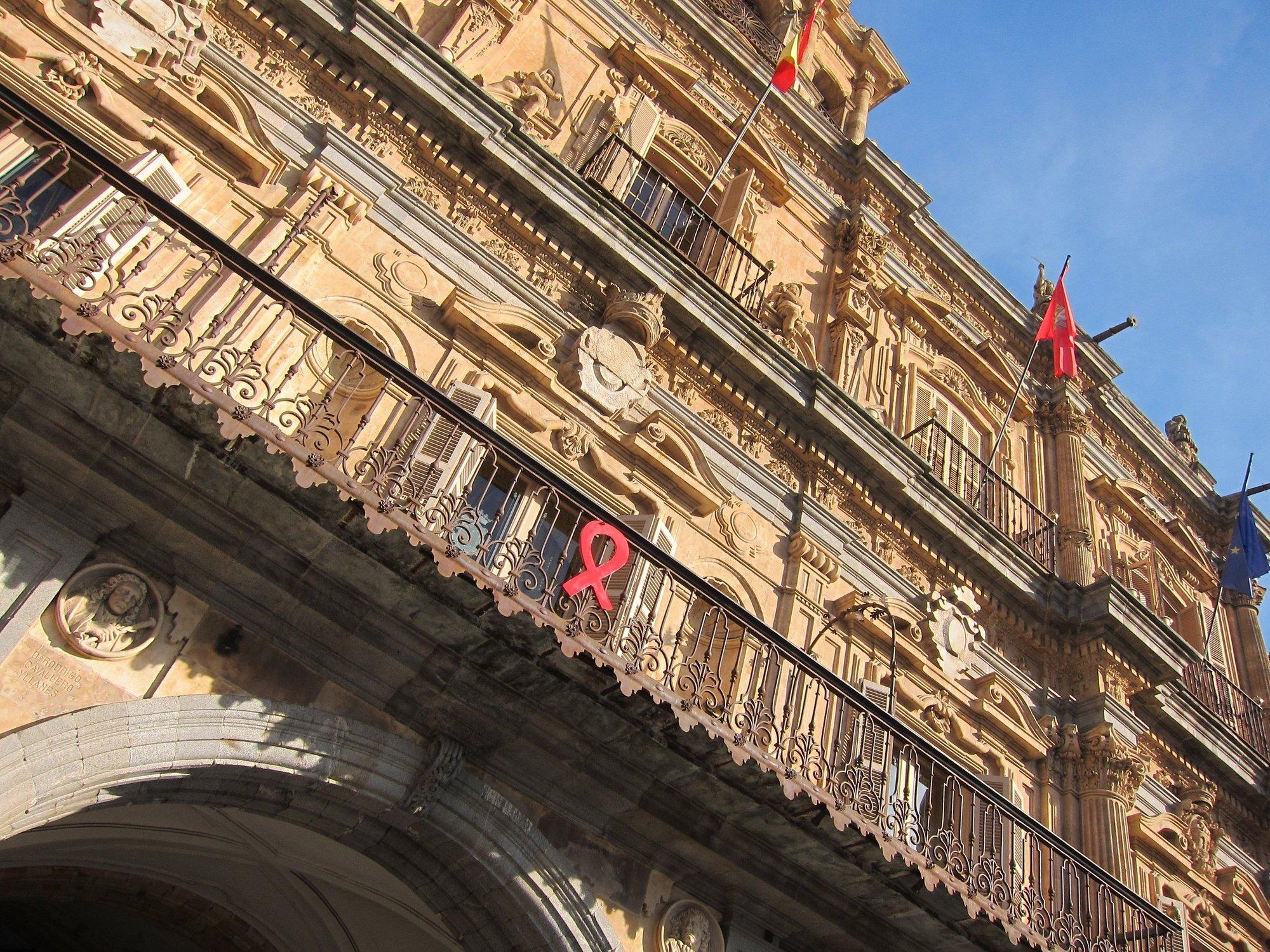 La fachada del Ayuntamiento de Salamanca se iluminará de verde mañana para celebrar el Día de San Patricio