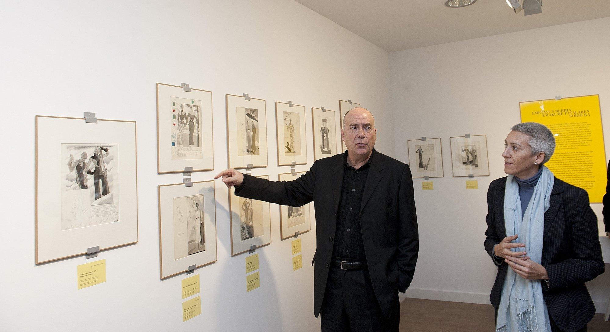 El Museo Balenciaga de Getaria repasa la trayectoria de Carlos Sáenz de Tejada