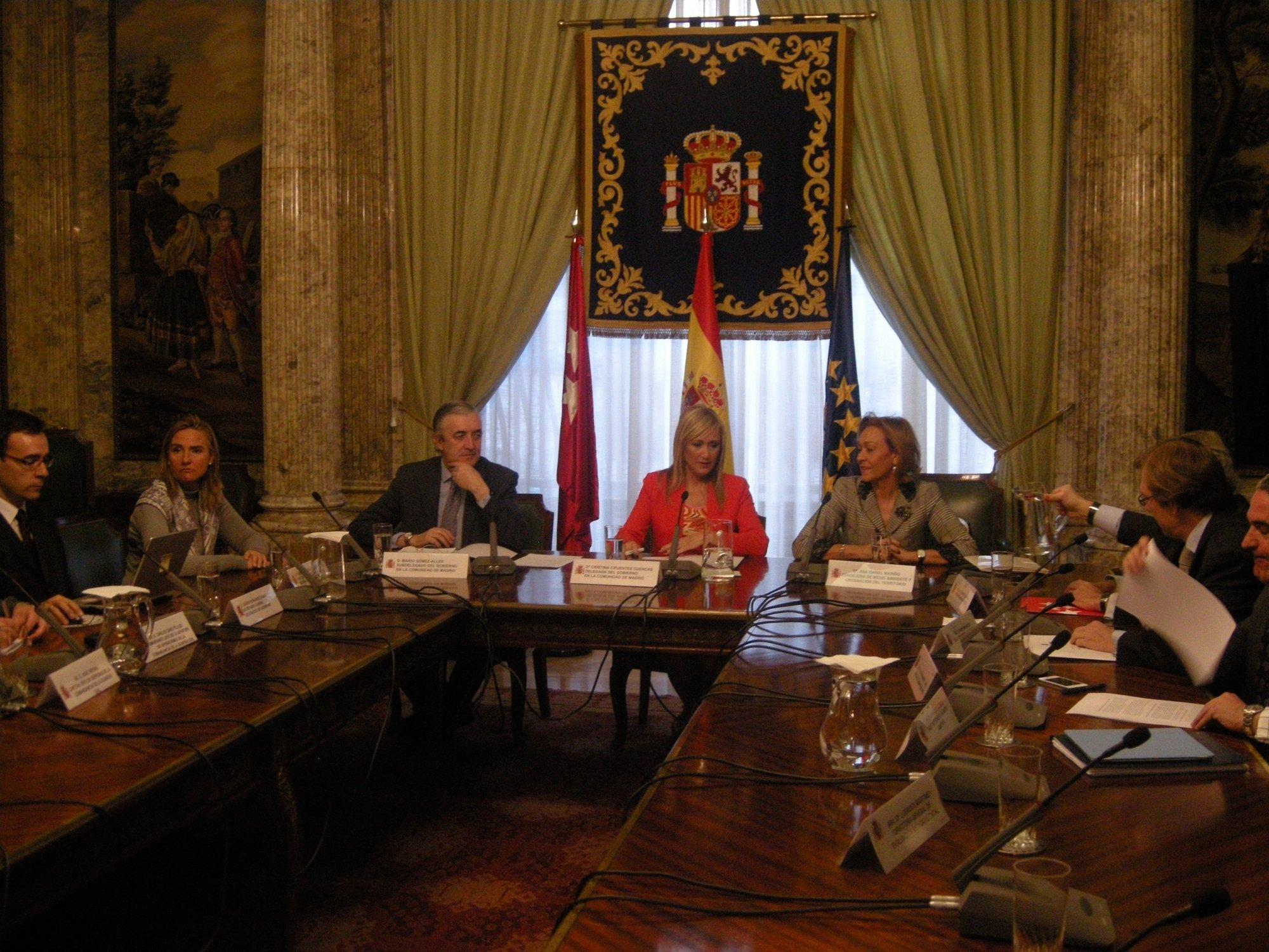 Cifuentes incrementará la vigilancia y el control de material robado en el campo madrileño