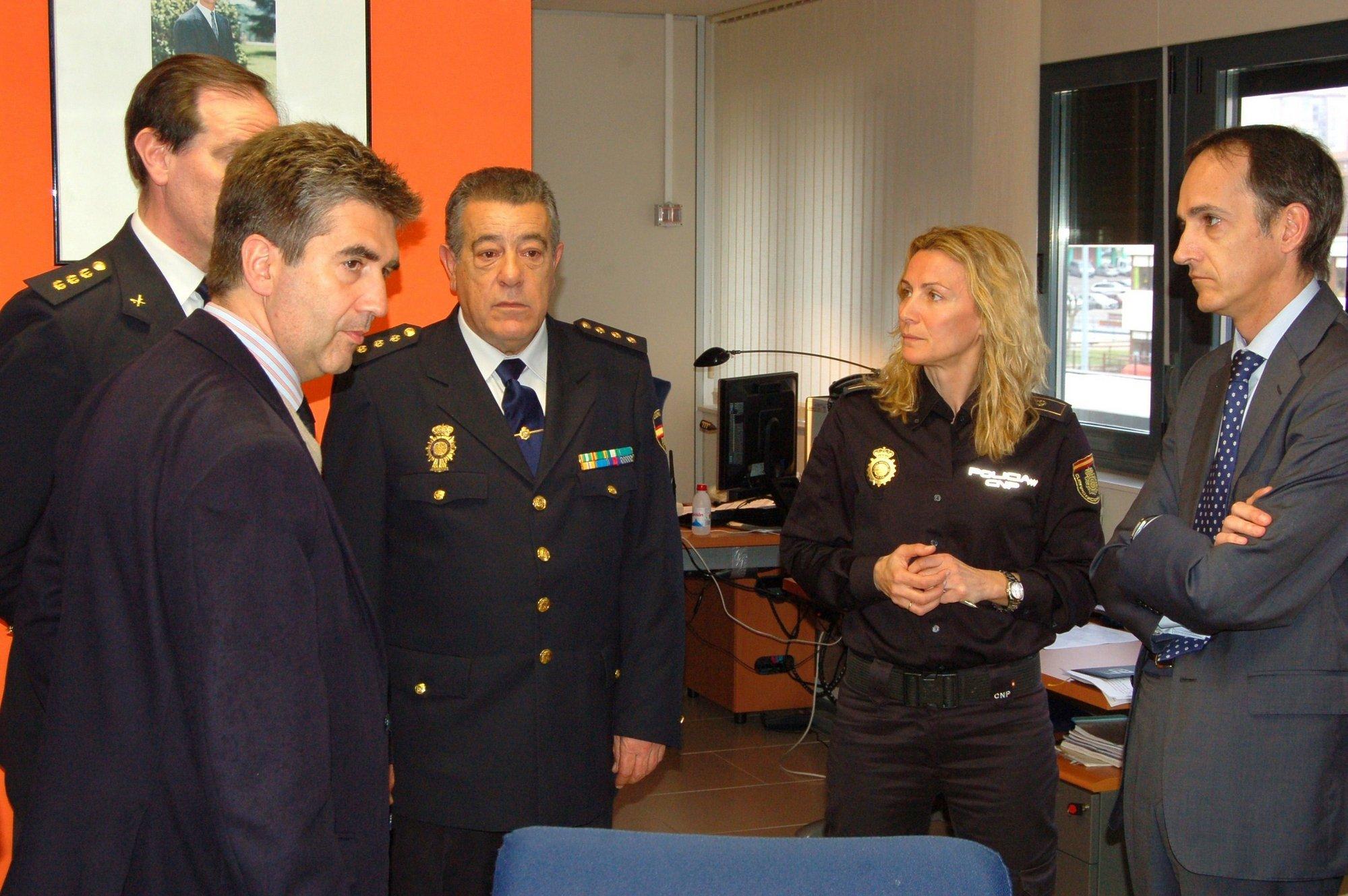 Cosidó destaca que Cantabria es «referente» en materia de seguridad