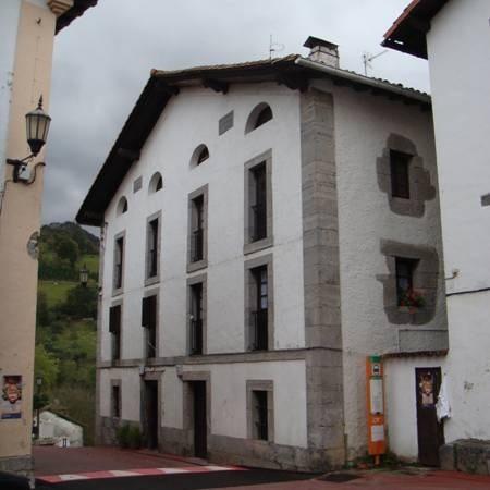 Diputación de Gipuzkoa inaugura el reformado edificio Don Juanena de Alkiza que acogerá varios servicios