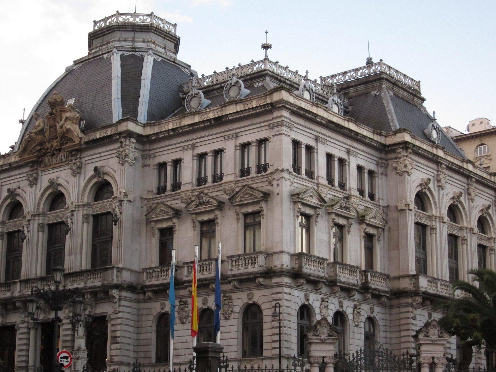 La Junta General rinde homenaje a los asturianos que firmaron »La Pepa»
