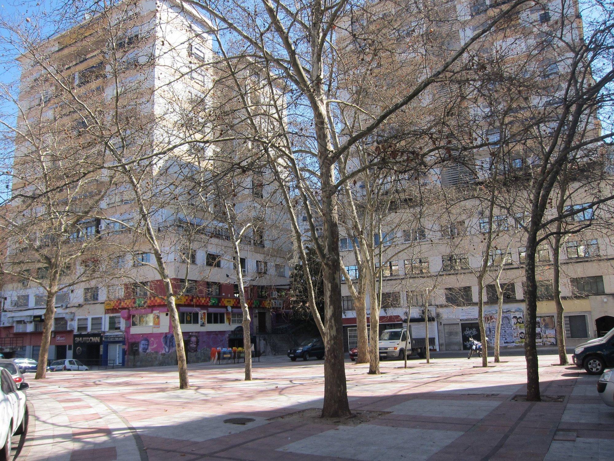 Pacheco confía en que «no haya ningún problema» en el primer fin de semana con los ocho bares cerrados en La Madrila
