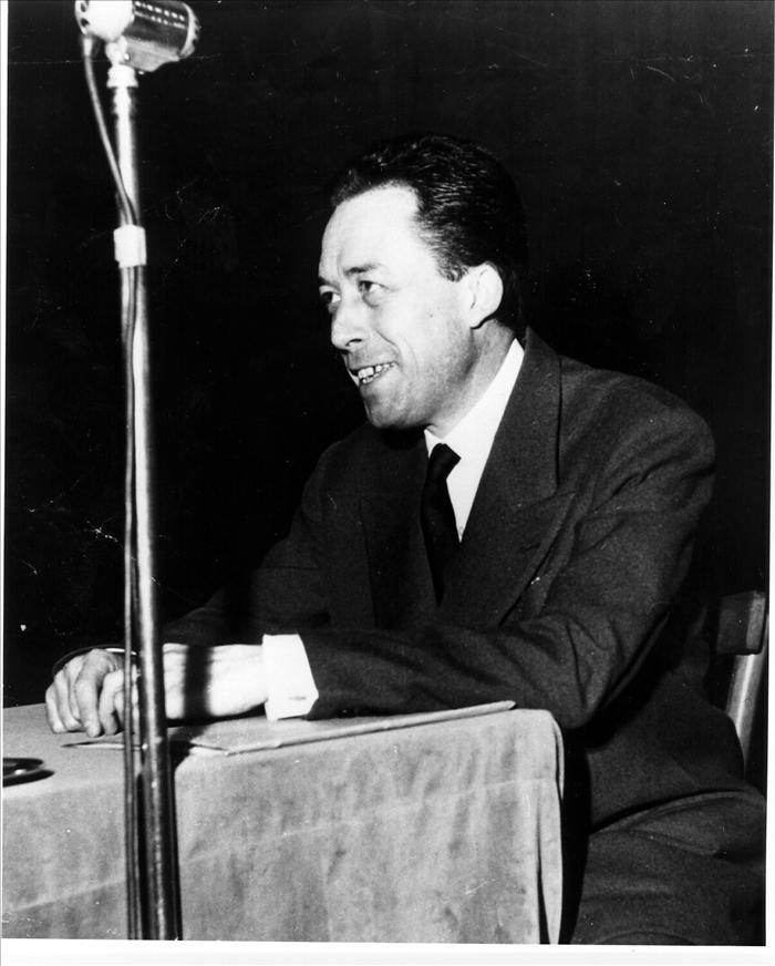 Sale a la luz un artículo inédito de Camus censurado en la II Guerra Mundial