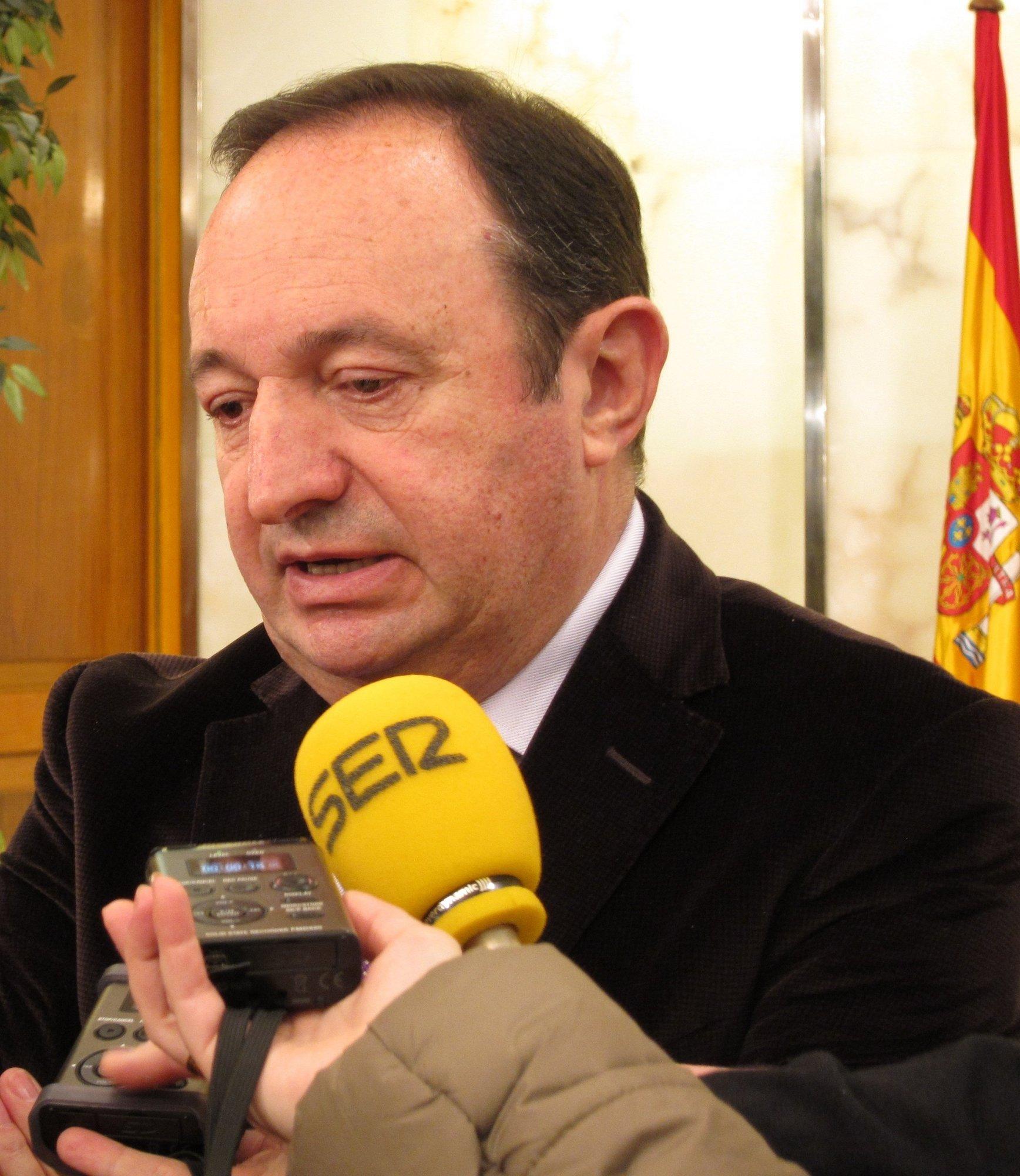 Sanz afirma que La Rioja «ni planteará subida de impuestos, ni ningún tipo de copago»