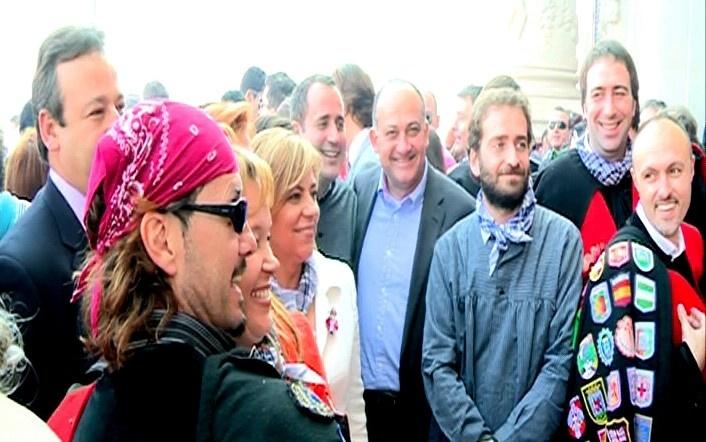 Valenciano señala que estas fiestas son «alegría» pero también «crítica y expresión libre de las ideas»