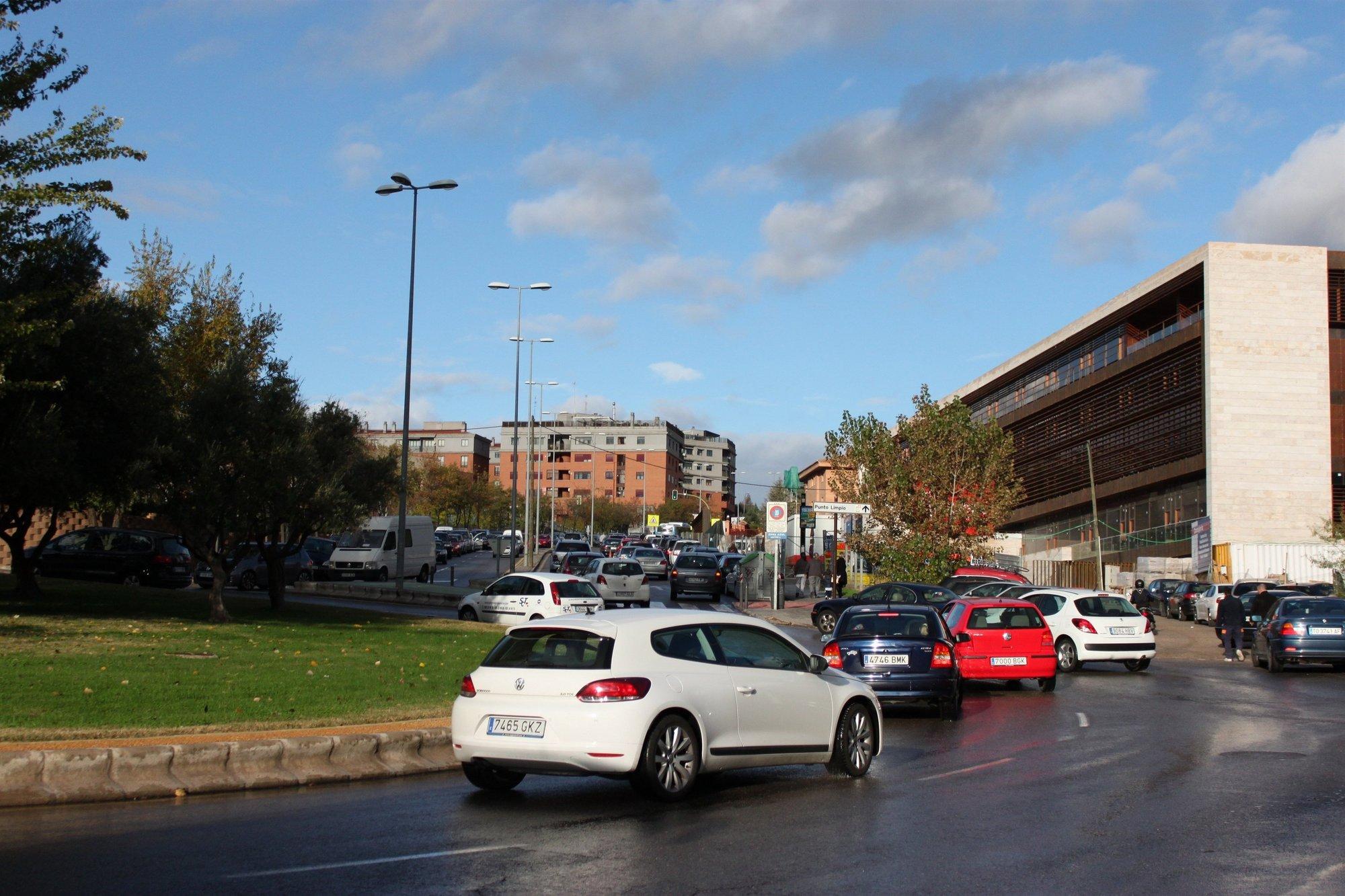Las ventas de coches caen un 15 por ciento en la primera quincena de marzo en Extremadura