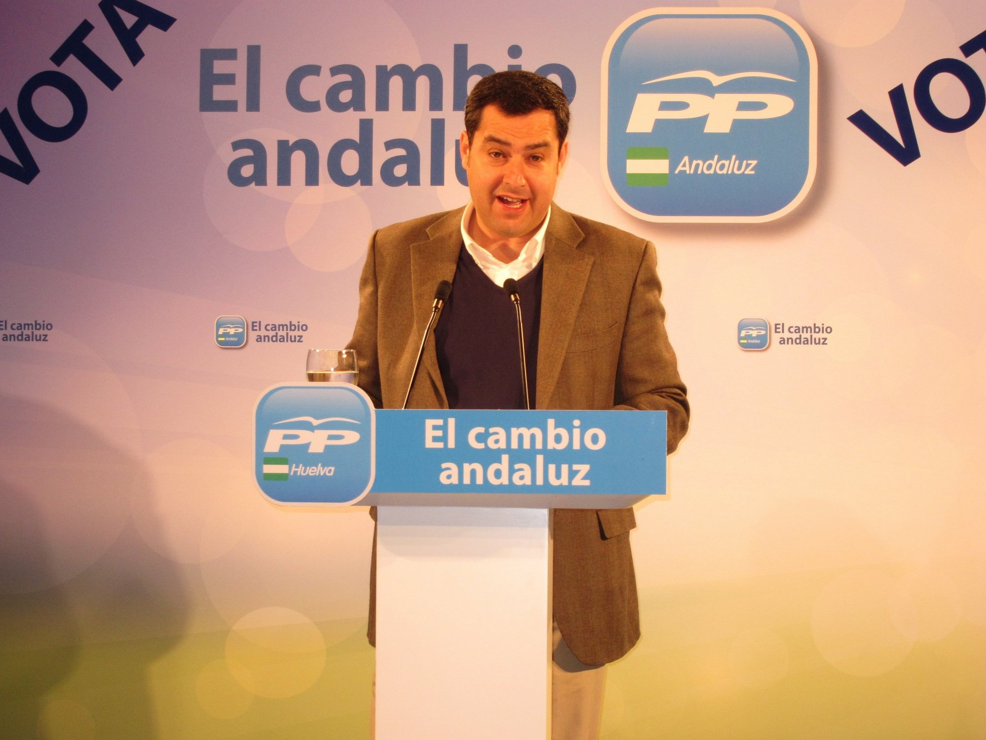 El secretario de Estado de Igualdad insta a los andaluces «a no tener miedo al cambio sino a seguir igual»