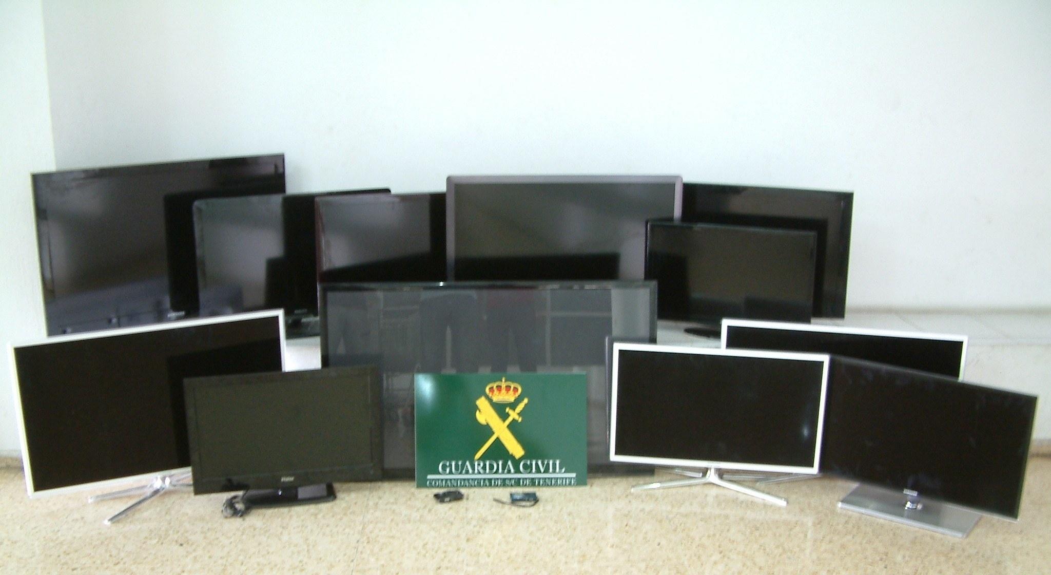 Detienen a tres personas en Tenerife por el robo de aparatos electrónicos valorados en más de 15.000 euros