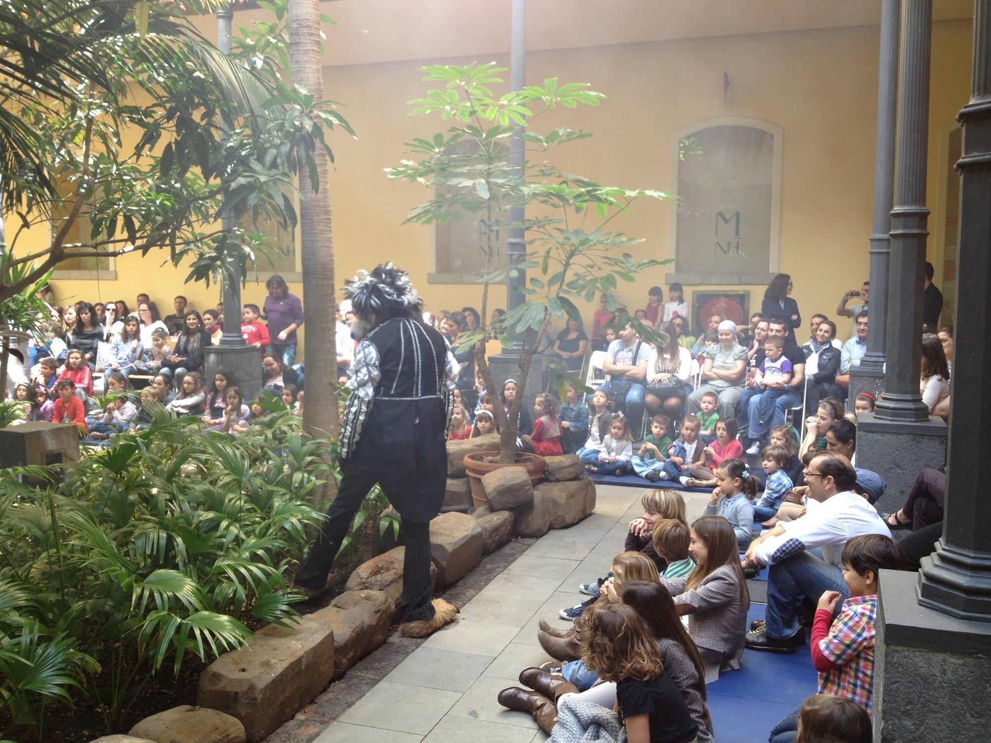 El Museo de la Naturaleza y el Hombre (Tenerife) ofrece este domingo el musical »Caperucita Roja»