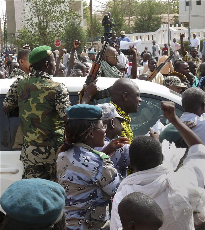 Ban Ki-moon pide a los rebeldes el cese de la violencia y el retorno al orden constitucional