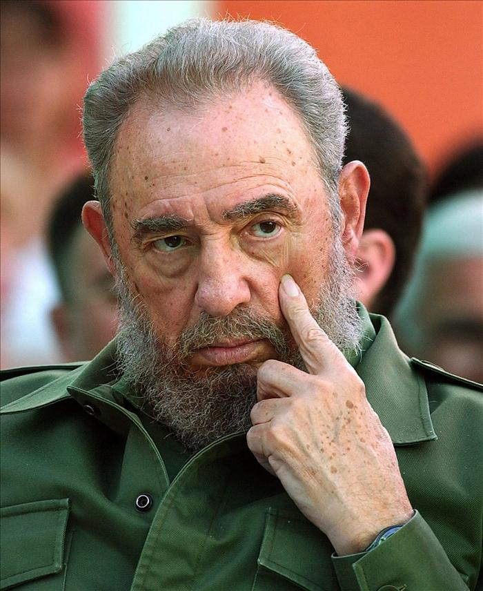 Fidel Castro se reunió con Camila Vallejo y una delegación estudiantil chilena