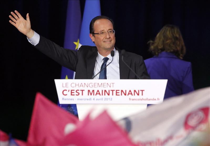 Hollande avisa de un «proyecto escondido» de Sarkozy sobre el derecho laboral