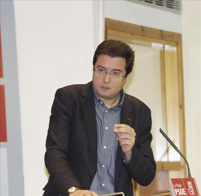 El PSOE reafirma su compromiso para renovar órganos como el TC o RTVE