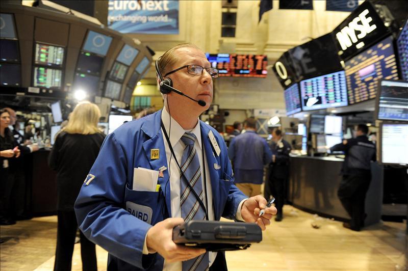 Wall Street no encuentra un rumbo claro y el Dow Jones baja 0,1 por ciento en la media sesión