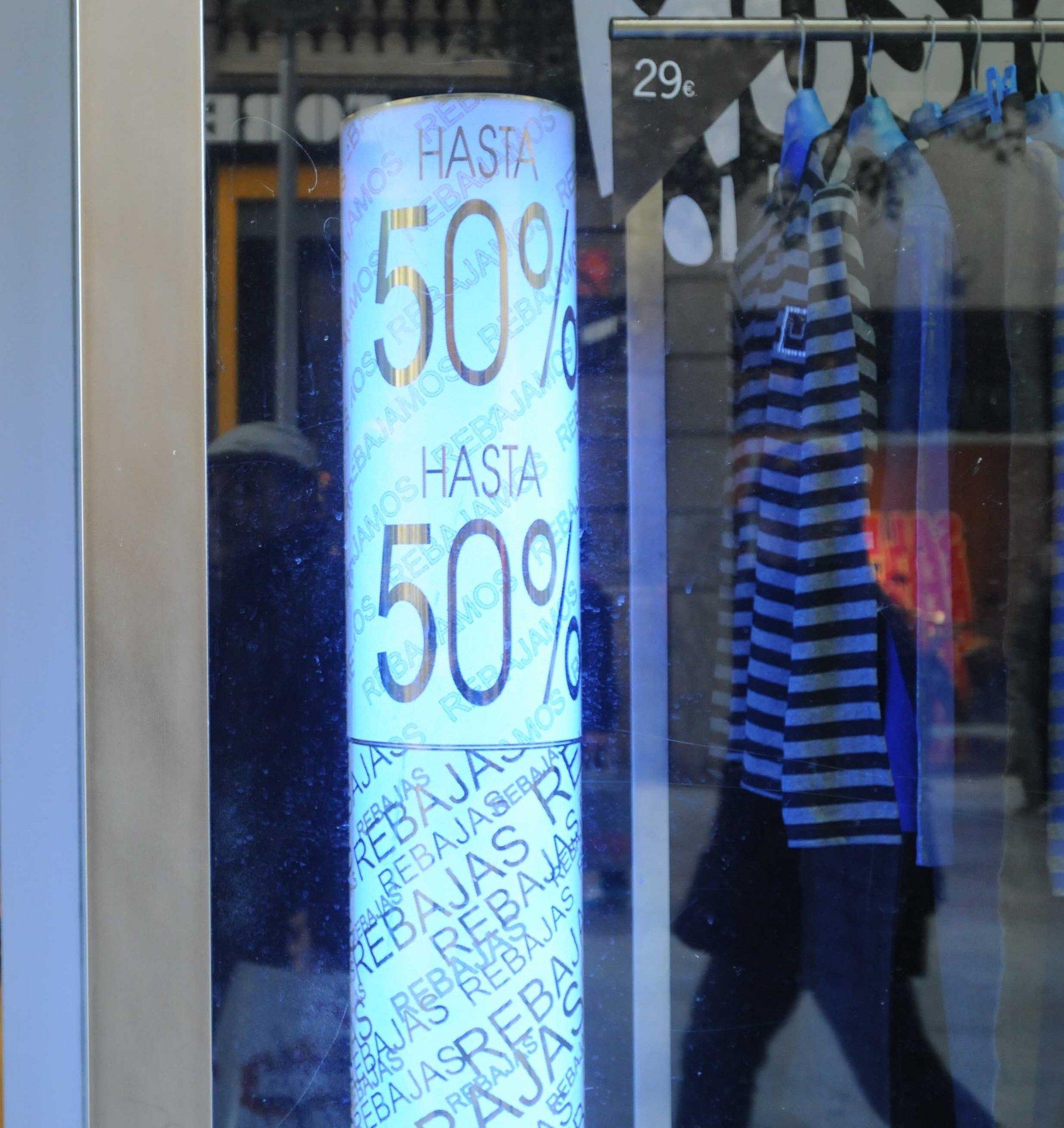 El 40% de los establecimientos comerciales incumplen la normativa, sobre todo por la publicidad y los medios de pago
