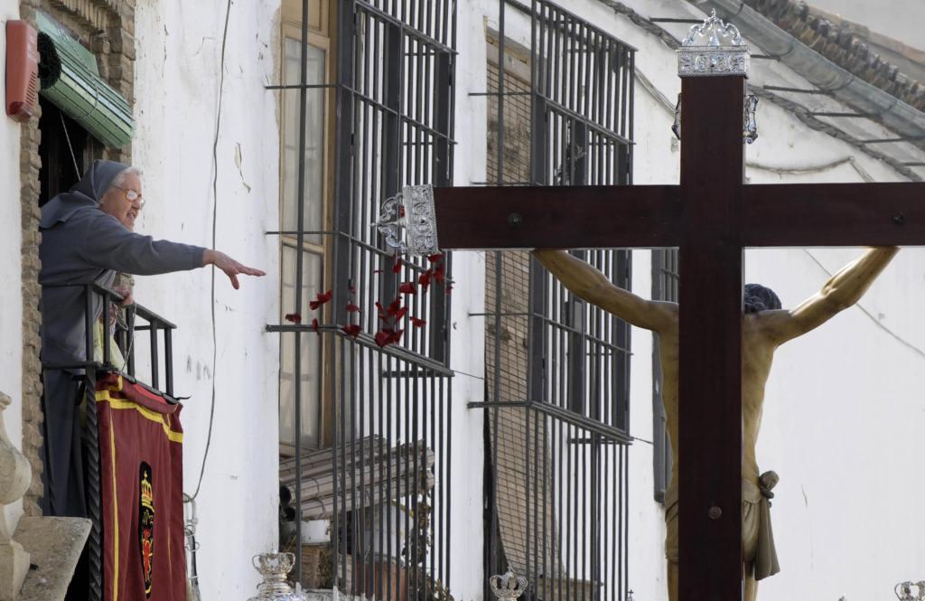 Más de 2.000 militares participan en las procesiones de Semana Santa