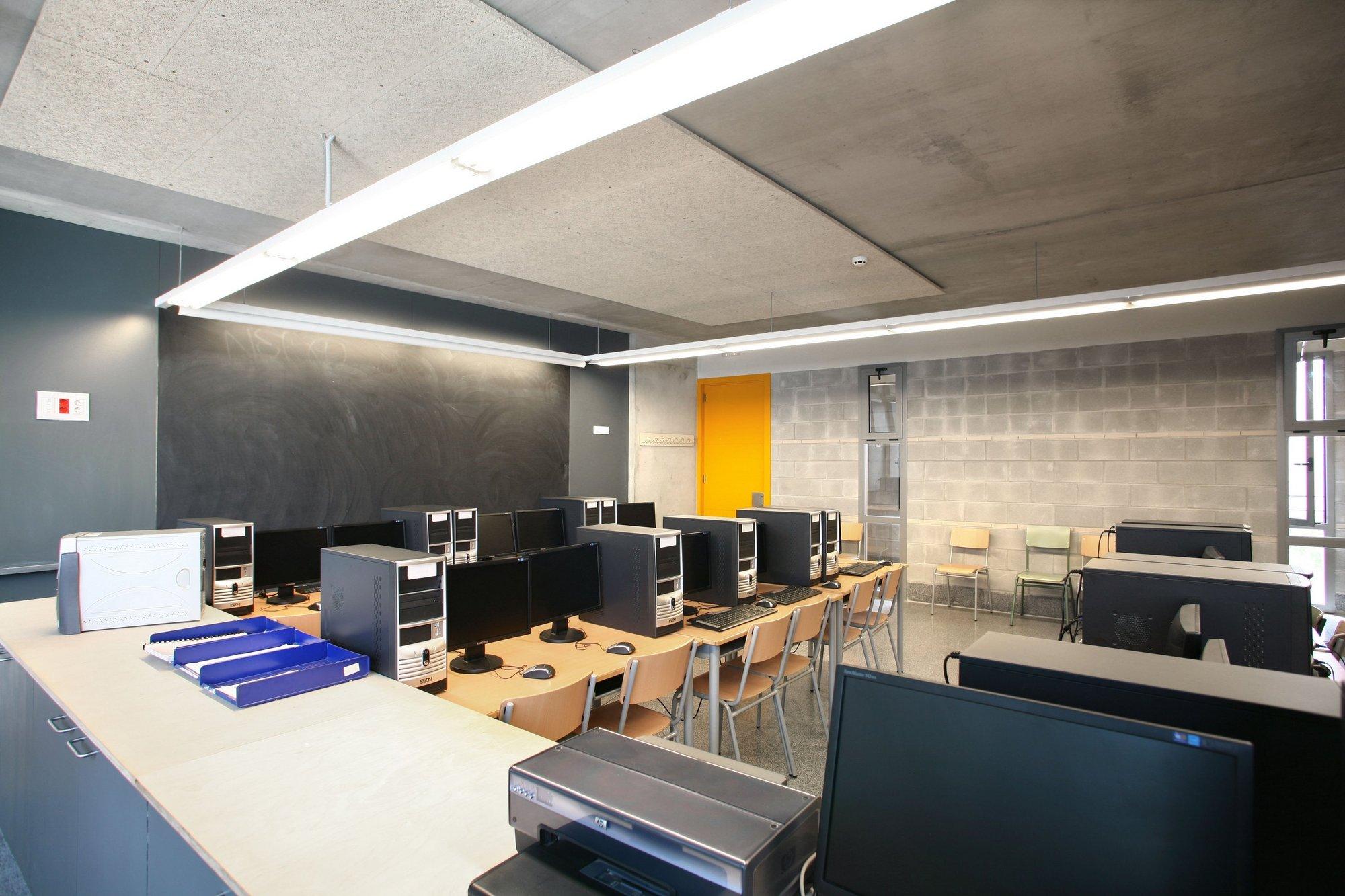Educación formó a casi 11.000 docentes en el uso de las TIC en el marco del proyecto Abalar