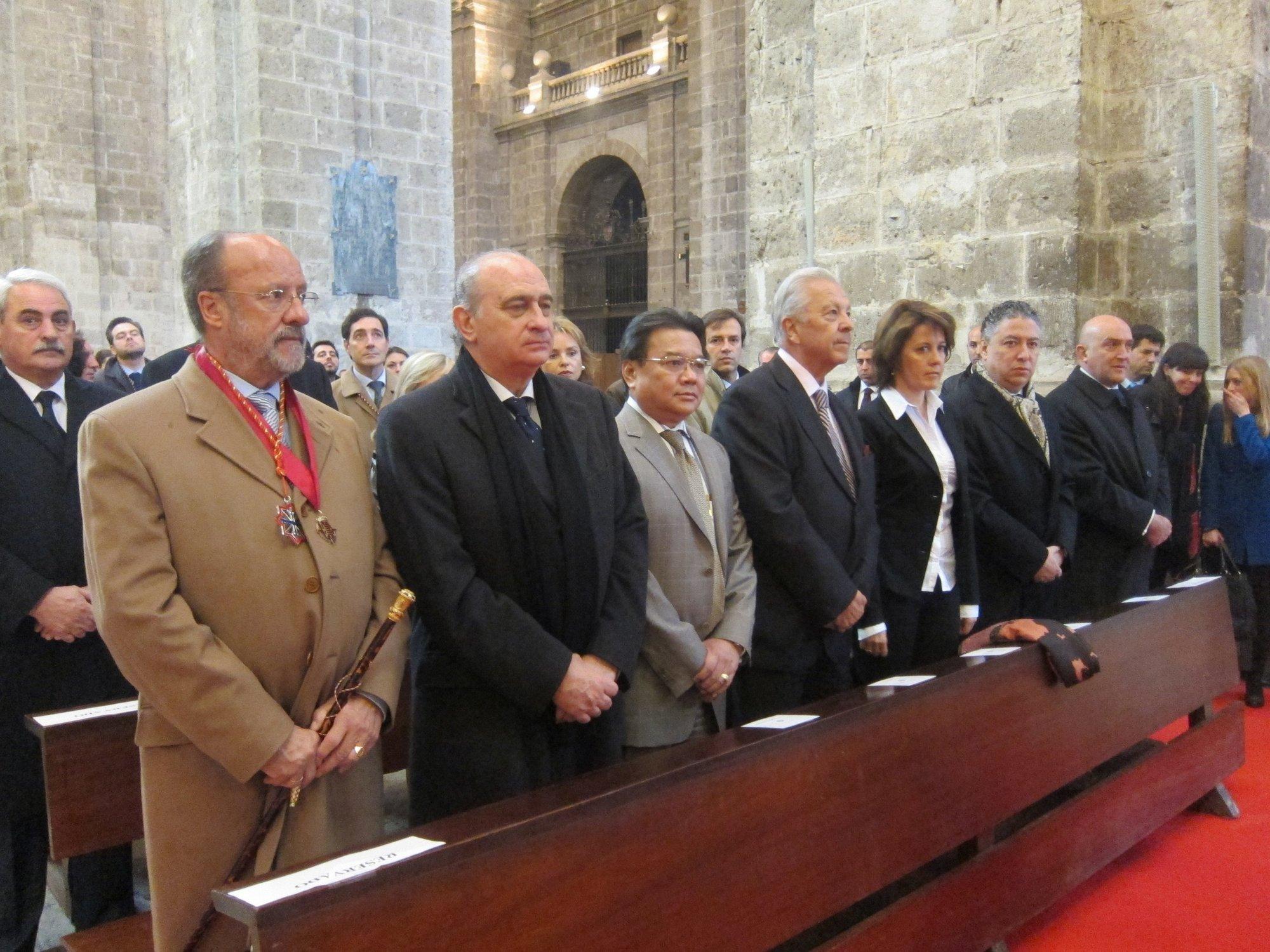 Fernández Díaz, Dívar y Barcina asisten al Sermón de las Siete Palabras en la Catedral de Valladolid