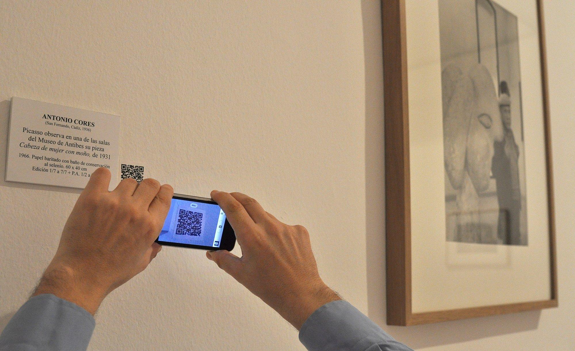 El Museo de Arte Moderno empieza a implantar códigos de lectura rápida en las obras expuestas