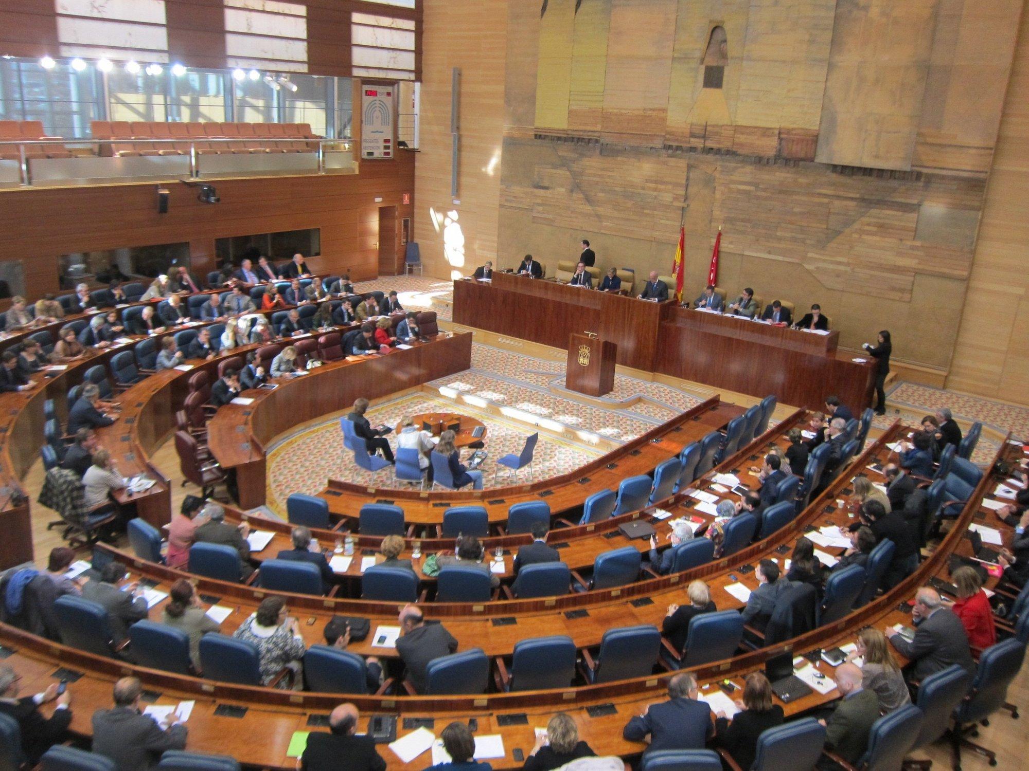 Oposición pide la comparecencia de Manglano para explicar el «desplome» de 1.000 millones en la recaudación de 2011
